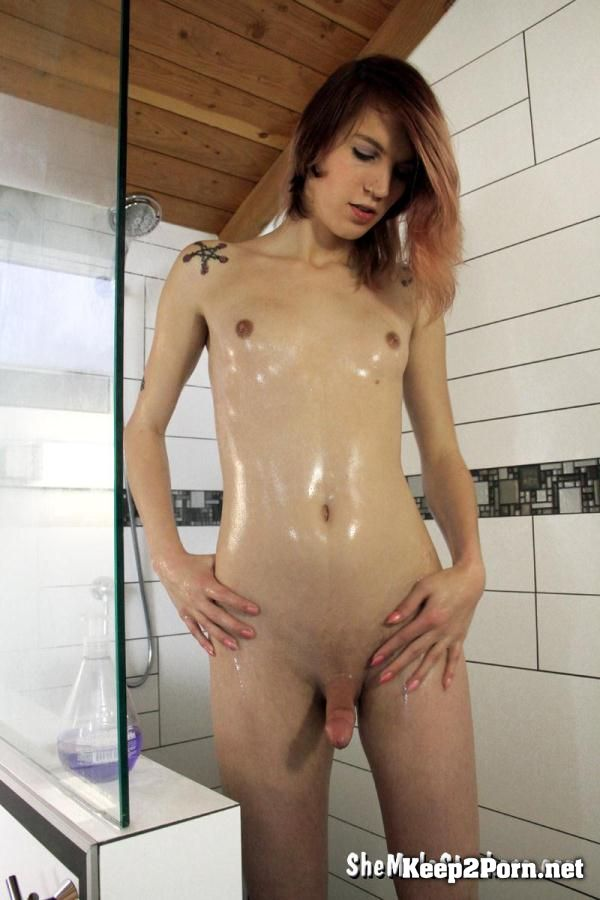 "Transsexual ""Freya Wynn"" in ""Sultry Trans Girl Wants To Get Hot, Wet And Sticky With You!"" [FullHD 1080p] Sh3M4l3Str0k3rs"