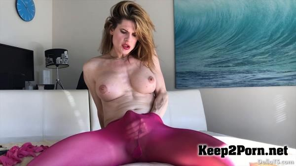 Female machine fuck orgasm clips