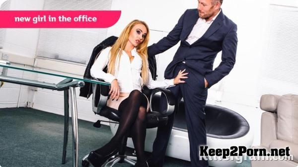 Carmel Anderson starring in video: New Girl in The Office [360p] CumIntoMyOffice