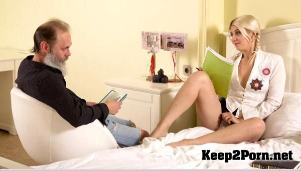 """Gabby fucks her tutor in her own bedroom"" with teen girls: Helena Dickens [SD] TrickyOldTeacher"
