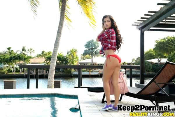 "Video ""Caught At The Pool"" with Annika Eve [SD 432p] 8ThStreetLatinas"