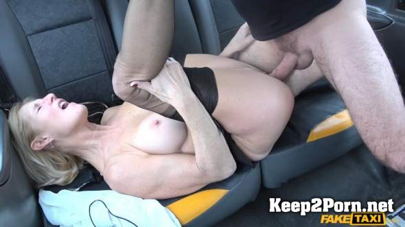 Molly Milf - Older lady's big pussy lips opened (06.06.2018) [1080p / MILF] FakeTaxi, FakeHub