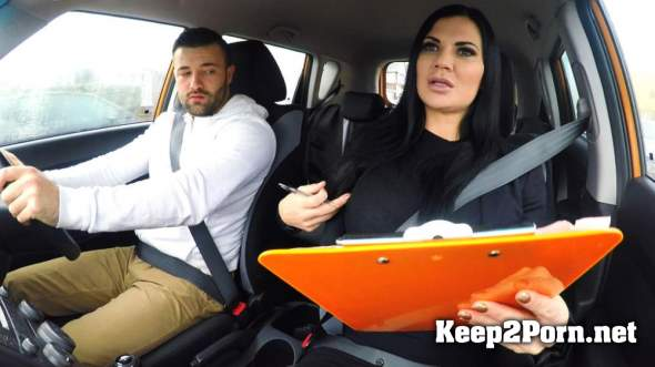 Jasmine Jae (Lad Distracted by Pussy on Test / 49261 / 2017-04-14) (HD / MP4) FakeDrivingSchool