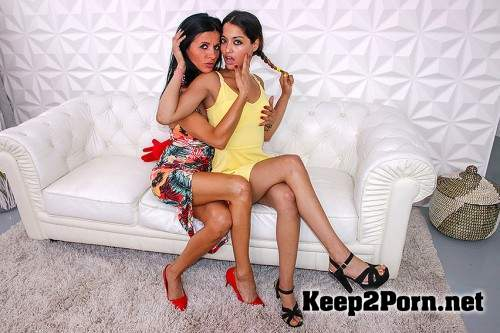 Scarlet (EU) (19) & Soraya Rico (41) (2 old and young lesbians playing with eachother / 6323 / 06-07-2018) (Lesbians, FullHD 1080p) Old-and-Young-Lesbians, Mature.nl