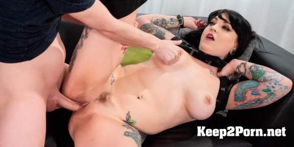 Draven Star - Up Close And Personal With Tattooed Babe Draven Star (HD / Video) Spizoo