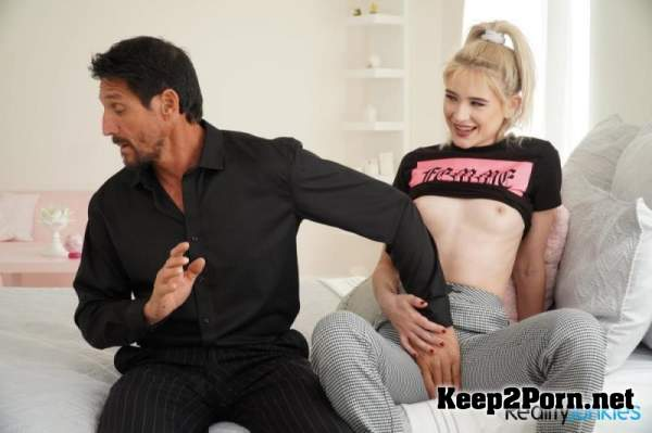 Jessie Saint - He's My Stepdad 3 Scene 1 (09.10.20) (SD / Video) RealityJunkies