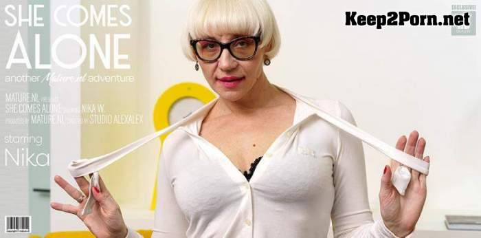 Nika W (44) - Mature Nika loves to get naked and do naughty things / 13900 (FullHD / MP4) Mature.nl