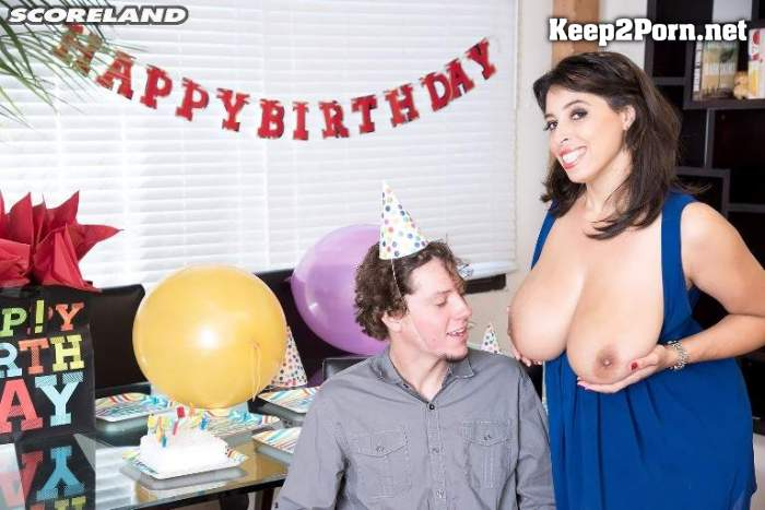 Elle Flynn - Bangin' Birthday 24.03.21 [2160p / Video] ScoreHD, ScoreLand